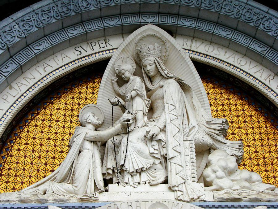 Notre-Dame remettant le rosaire à saint Dominique - Lourdes
